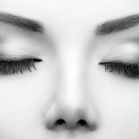 facial waxing -black and white